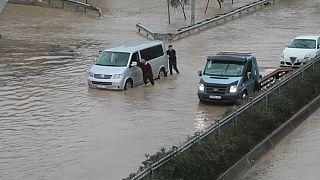 Überschwemmungen in Izmir