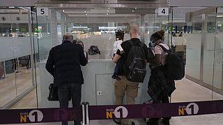 Europol advierte de la venta de falsos test negativos en los aeropuertos