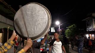 Myanmar'da askeri darbe tencere tava ile protesto edildi