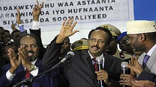 Somalia leaders in emergency talks over election crisis