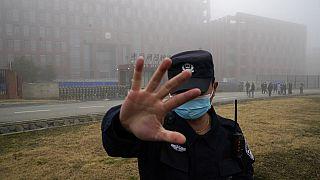 Covid-19: Έρευνες του ΠΟΥ στο Ινστιτούτο Ιολογίας της Ουχάν στην Κίνα