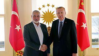 اسماعيل هنية رئيس المكتب السياسي لحركة حماس رفقة الرئيس التركي رجب طيب إردوغان، اسطنبول، فبراير 2020