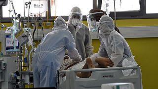 Tunisie : les hôpitaux submergés par la Covid-19