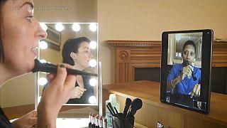 Make-up artist & volunteer Laura Hunt gives an online tutorial