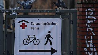 Hinweisplakat in Berlin