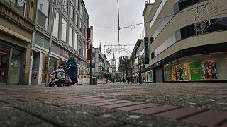 غلق لكل المحلات التجارية والمقاهي والمطاعم في ألمانيا