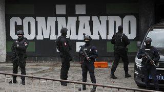 Полиция на стадионе в Белграде