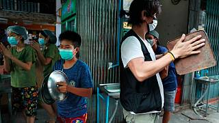 Habitantes de Rangún hacen ruido para protestar contra el golpe de Estado