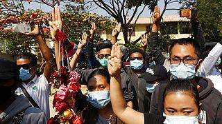 Διαδηλωτές στη Μιανμάρ