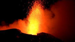 L'Etna est entré en éruption dans la nuit de jeudi à vendredi