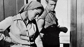 1955. Liz Taylorras az Óriás (Giant) címû film egyik jelenetében