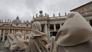 Papa Francis oy hakkına sahip müsteşarlığa ilk kez kadın atadı