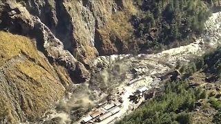 Hindistan'ın Himalaya Dağında buz kütlesi koptu