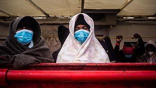 I migranti a bordo della Ocean Viking