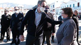 Στιγμιότυπο από την επίσκεψη του πρωθυπουργού, Κυριάκου Μητσοτάκη, στην Ικαρία