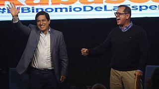 Andrés Aráuz y su compañero de fórmula Carlos Rabascall celebran los resultados. Quito, Ecuador