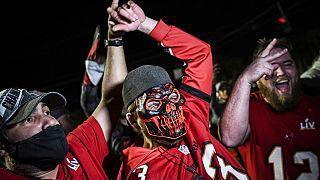 Aficionados de Tampa Bay celebran la victoria