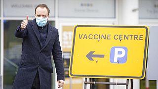 Vaccins : pourquoi le Royaume-Uni a pris de l'avance et l'UE est-elle à la traîne?
