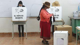 Abstimmung im ecuadorianischen Cangahua.