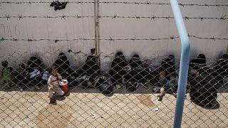 Eski IŞİD savaşçılarının ailelerinin oluşturduğu 10 bine yakın kadın ve çocuk Suriye'nin kuzey doğusundaki kamplarda tutuluyor