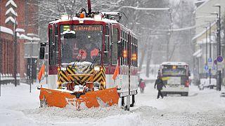 Schneeräumen für die Straßenbahn in Erfurt