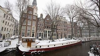مددت هولندا حظر التجول حتى الثاني من مارس