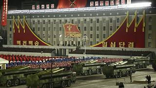 Kuzey Kore'de askeri geçit