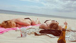 Einige Länder raten davon ab, jetzt schon den Sommerurlaub zu buchen