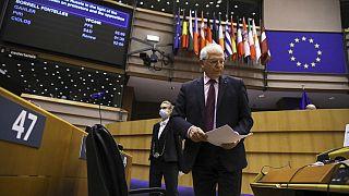 Össztűz alatt az uniós fődiplomata a moszkvai kudarc után