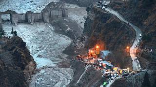 فاجعه شکست یخچال طبیعی و جاری شدن سیل در شمال هند