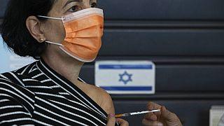 İsrail nüfusa oranla dünyada en çok Covid-19 aşısı yapan ülke konumunda.