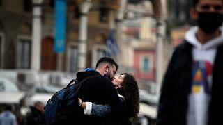 Yunanistan'ın başkenti Atina'da genç bir çift