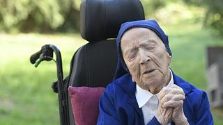 راهبه ۱۱۶ ساله فرانسوی که از کووید-۱۹ جان سالم به در برد