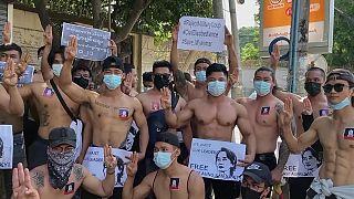 تظاهرات اقشار مختلف مردم از جمله ورزشکاران علیه کودتا در میانمار