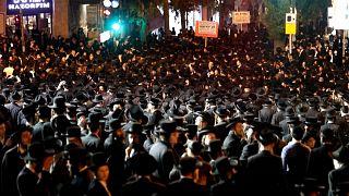 یهودیان حریدی در اعتراض به محدودیتهای کرونایی با پلیس اسرائیل درگیر شدند