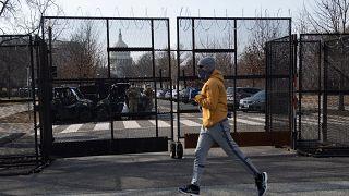 'Trump incitó a la masa violenta' dice la acusación en el juicio político en el Senado