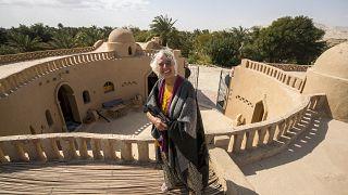 ألمانية تعيش في صحراء مصر منذ 35 عاما