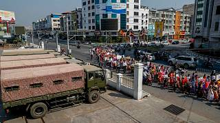 مظاهرة في مدينة ماندلاي بميانمار ضد الانقلاب العسكري في البلاد