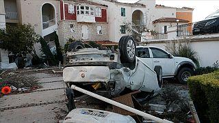 Çeşme'de yaşanan hortum ve fırtına büyük maddi zarara yol açtı.