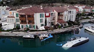 Un  tornado causa importantes daños en la costa egea turca