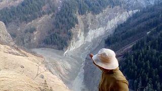 بحيرة جديدة في الهيمالايا تثير مخاوف من حدوث فيضان مفاجئ آخر