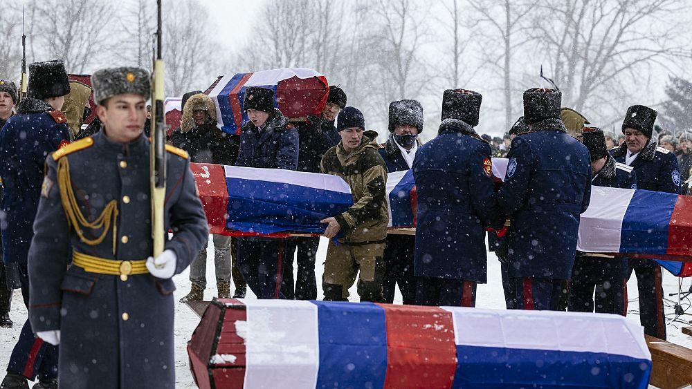 1812 gefallen: Ein Grab für russische und französische Soldaten