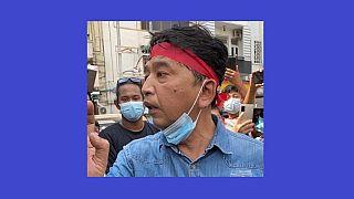 Min Ko Naing mianmari aktivista is megjelent a tiltakozó megmozdulásokon