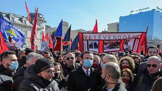 مسيرة انتخابية في كوسوفو