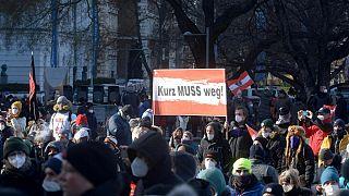 Protest in Wien - gegen Coronaregeln und gegen Sebastian Kurz
