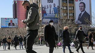 Parlamentswahl im Kosovo - Start in die Nachkriegszeit?