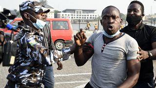 Nigéria : la réouverture du péage de Lekki révolte à Lagos