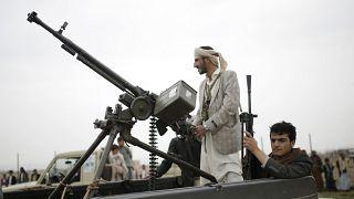 مقاتلان من الحوثيين في اليمن (أرشيف)