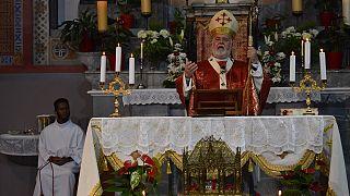 Δοξολογία στο Ναό Μεταστάσεως της Θεοτόκου της Καθολικής Εκκλησίας Μυτιλήνης, για τον Άγιο Βαλεντίνο (φωτογραφία αρχείου).