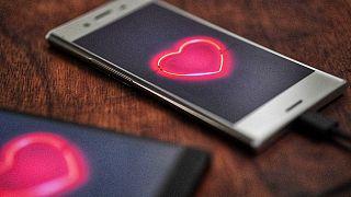 مكتب التحقيقات الفيدرالي يحذر من الاحتيال الرومانسي في عيد الحب
